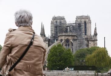 幸好钱币定格了巴黎圣母院最美的模样