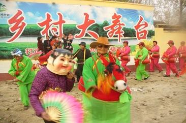 单县:乡村舞蹈队 舞出大舞台