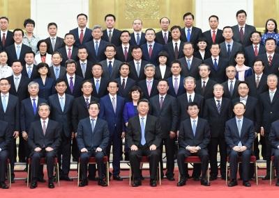 习近平会见2019年度驻外使节工作会议与会使节