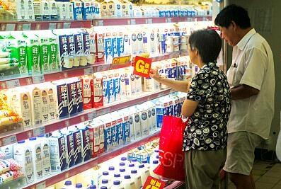 五岁内儿童不宜喝风味牛奶