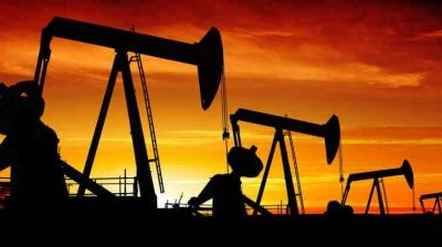 """受沙特俄罗斯""""价格战""""冲击,全球原油价格""""史诗级""""暴跌,布伦特原油恐跌至20美元"""