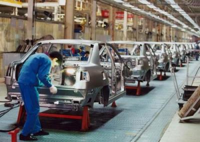 中汽协:预计一季度汽车产销量下降45%
