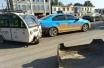菏泽这辆电动三轮车真猛 直接撞掉出租车保险杠